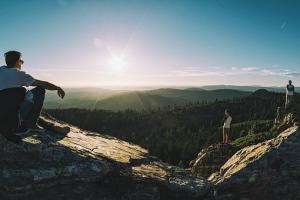 Bezpieczeństwo w górach – o czym należy pamiętać podczas bieszczadzkich wędrówek?